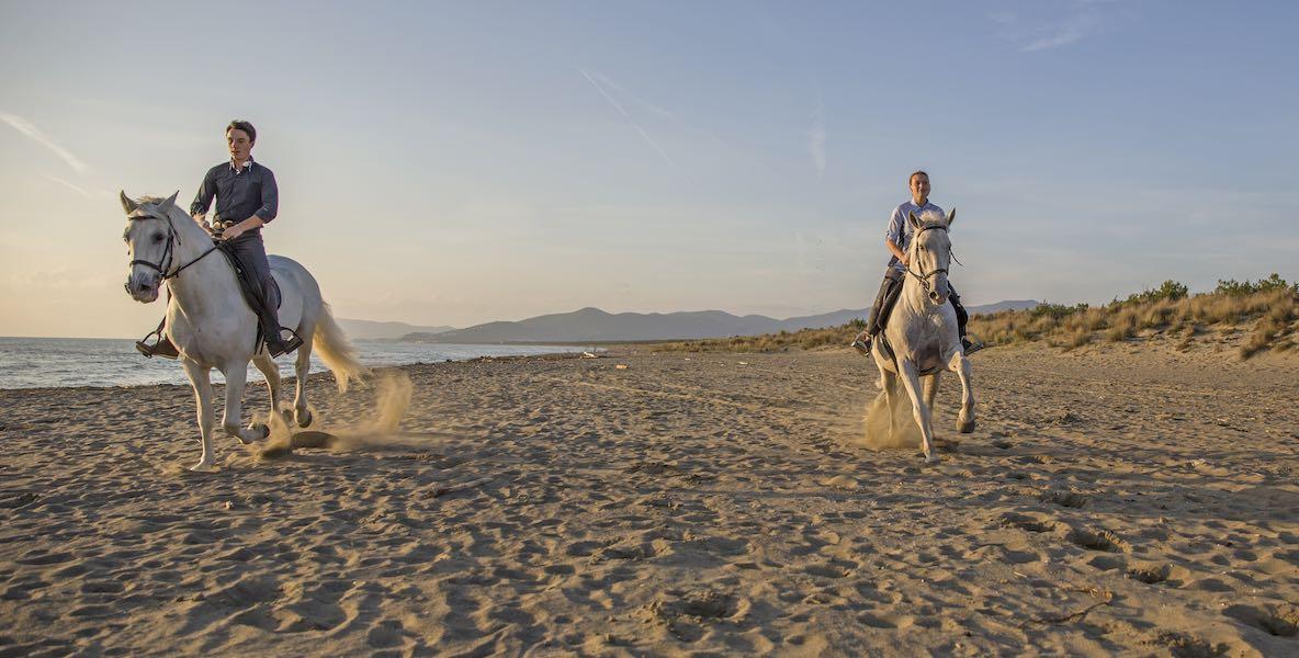 foto passeggiate a cavallo sul mare cavallonatura grosseto maremma toscana