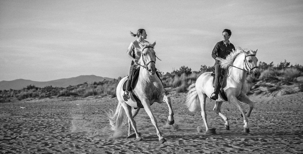 immagine passeggiate a cavallo sul mare cavallonatura grosseto maremma toscana